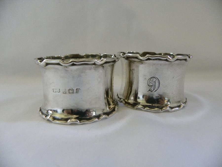 Pair of silver hallmarked napkin rings - Item 3128