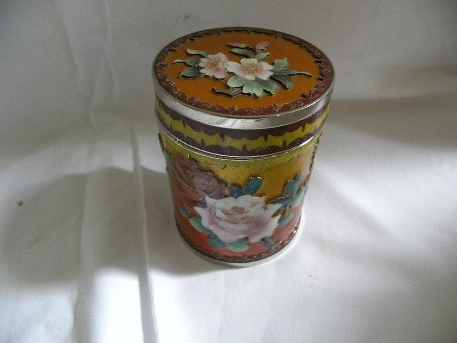 A cylindrical cloisonne lidded box - Item 3185