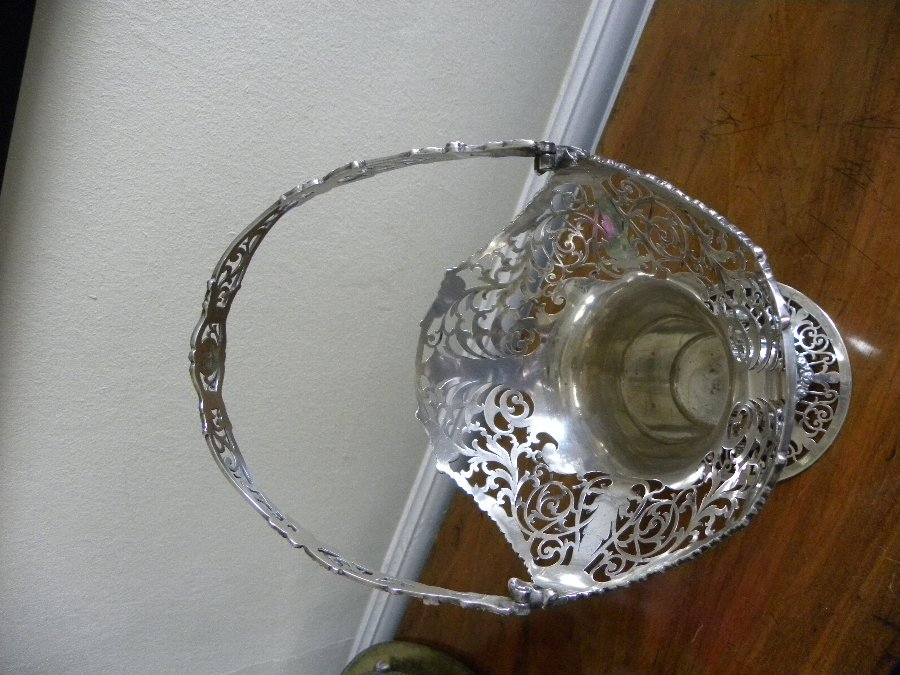 Antique Silver hallmarked hand pierced swing handle basket - Item 3339