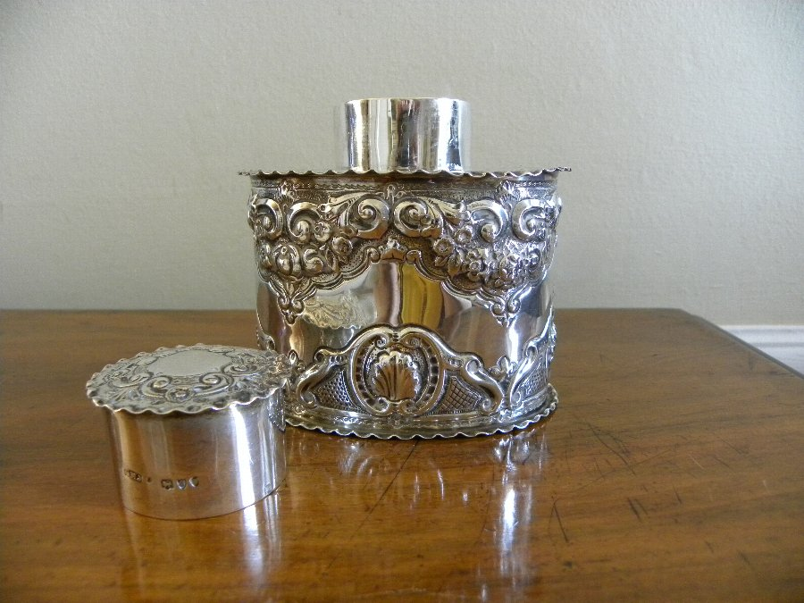 Antique Am embossed hallmarked silver tea caddy - Item 3356