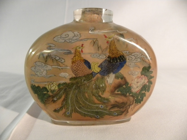 Chinese painted glass table snuff bottle