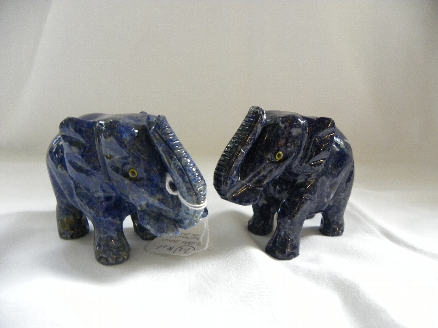 Pair of Lapis Lazuli elephants - Item 712