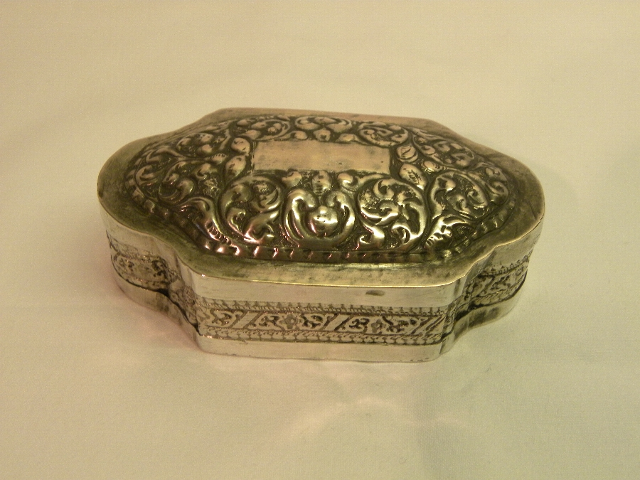 Antique silver pill box - Item 705