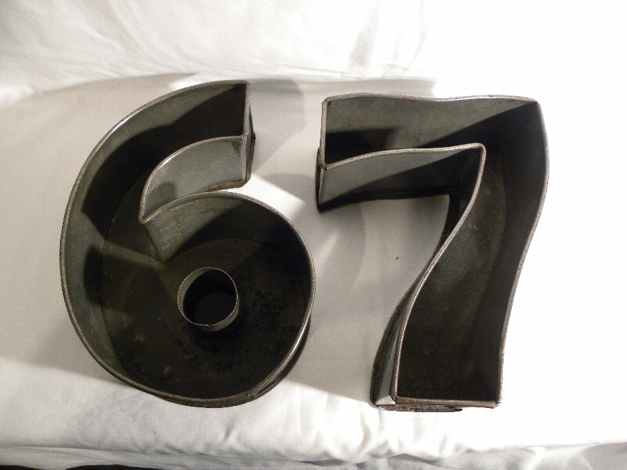 Pair of early 20th century tin cake moulds - Item 758