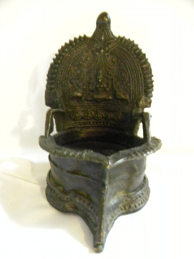 Asian bronze lamp or incense burner - Item 957