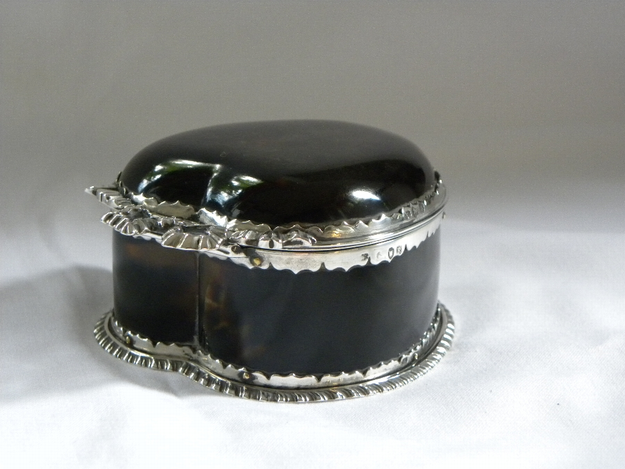 Tortoiseshell and hallmarked silver trinket box - Item 1087