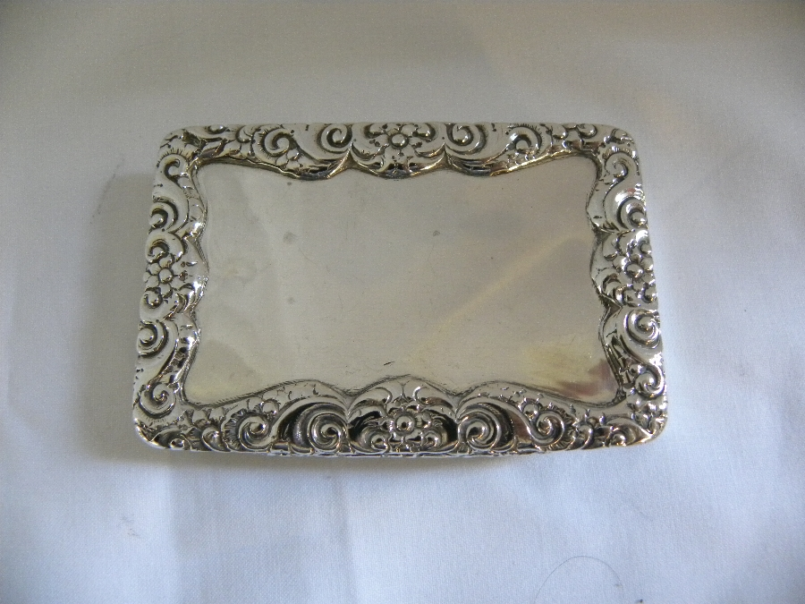 Antique Silver hallmarked snuff box - Item 2019
