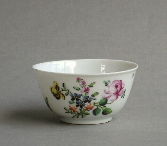 Antique Chinese export London-decorated teabowl, Qianlong
