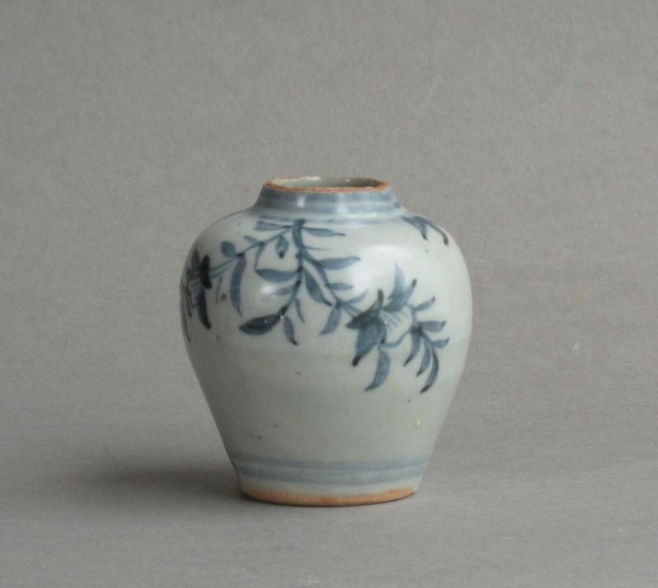 Antique Attractive small Chinese Ming jarlet with spiky foliage Hongzhi c1500