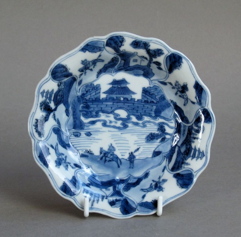 Good quality Chinese spiral-moulded saucer, Kangxi
