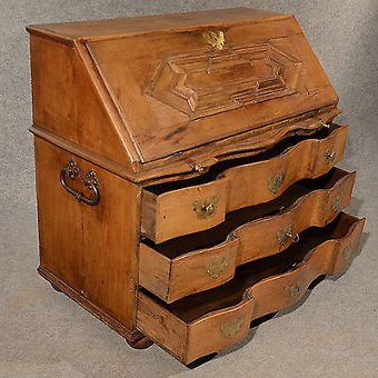 Antique Antique Oak Bureau Writing Study Desk Fine Quality Serpentine Front c1800