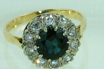 Antique Stunning Art Deco 18ct gold sapphire and diamond ring.