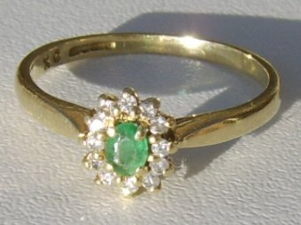 Antique Super Art Deco 18CT Gold Emerald and Diamond Ring.
