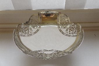 Antique Beautiful Hallmarked Silver Pierced and Footed Centre Bowl Walker & Hall Sheffield