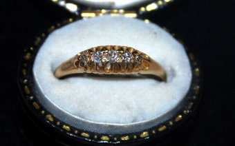 Antique Lovely 18ct Gold Five Stone Diamond Ring