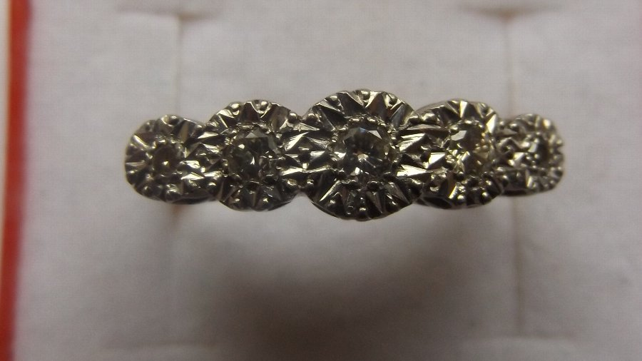 Antique LOVELY EDWARDIAN 18CT GOLD AND PLATINUM 5 STONE DIAMOND RING
