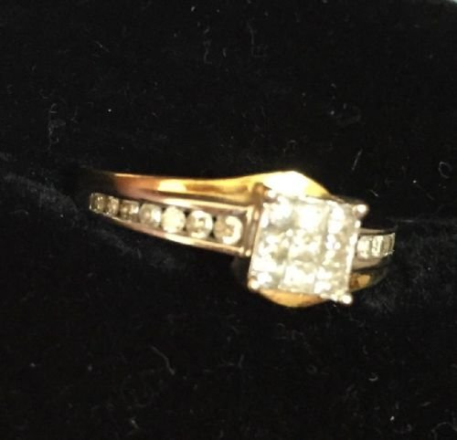 Antique Stunning 18ct White and Yellow Gold Art Deco 0.65CT Diamond Ring.