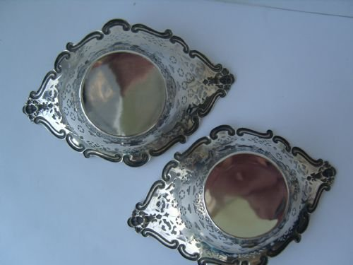 Antique Stunning Pair of Victorian Silver Boat Shape Dishes