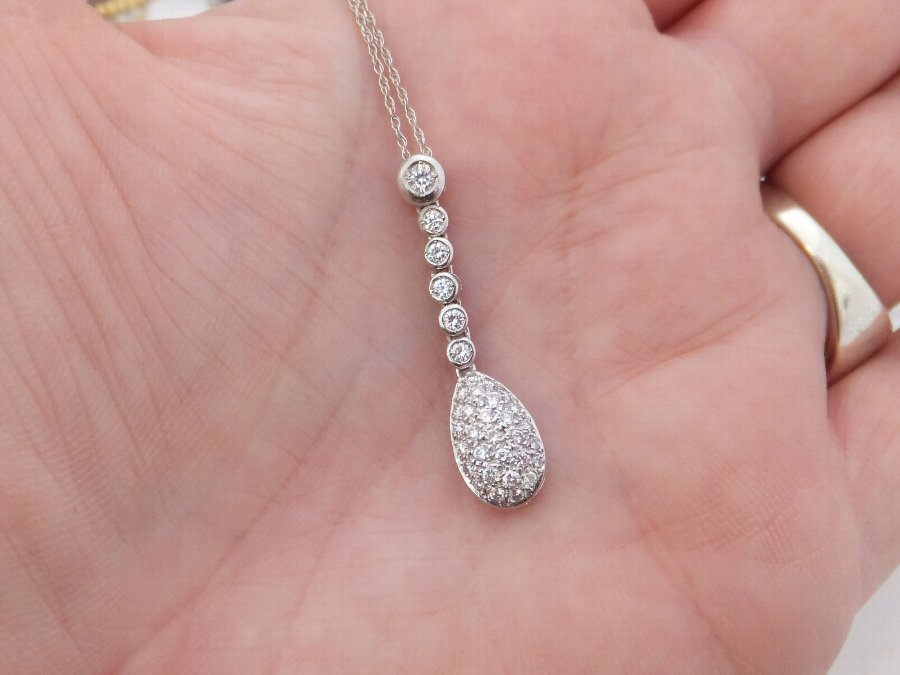 18ct White Gold 88 Point Diamond Cluster Pendant On 9ct White Gold Chain