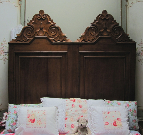 Antique  IMPOSING ANTIQUE GOTHIC STYLE DOUBLE BED - C1900