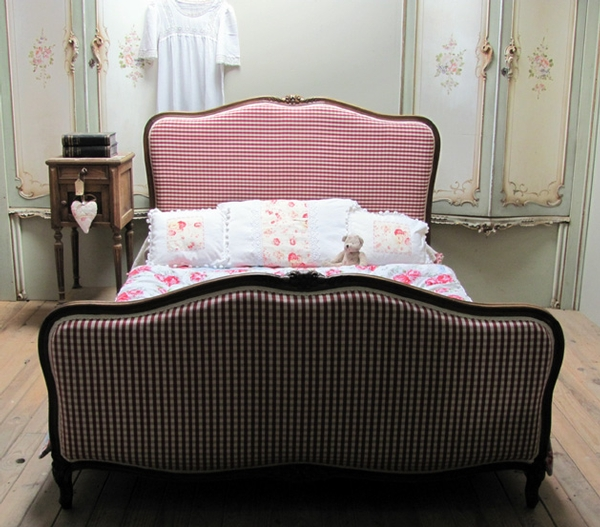 Antique ? CHARMING VINTAGE FRENCH UPHOLSTERED DOUBLE BED ?