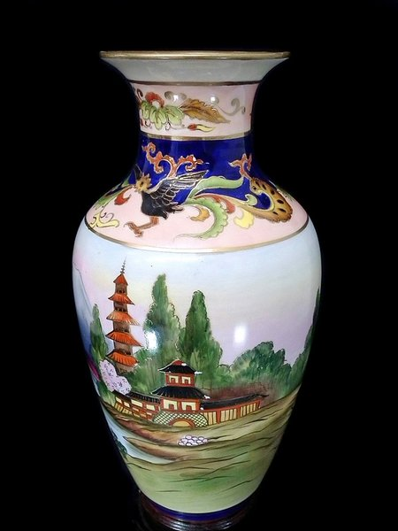 Japanese hand painted vase - c1920s