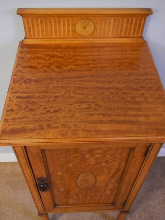 Antique ANTIQUE SATINWOOD SIDE CABINET / BEDSIDE TABLE