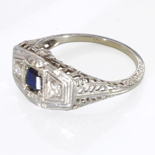 Art Deco white Gold Sapphire and Diamond Ring