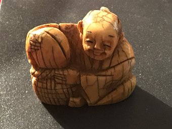 Antique Ivory netsuke Japanese
