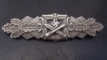 Antique German 2ww combat badge geuine item--B1