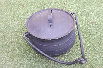 Antique Witches Cauldron heavy cast iron genuine Victorian item