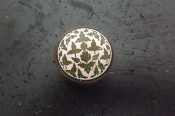 Antique Pill box in Closoni Chinese. B29