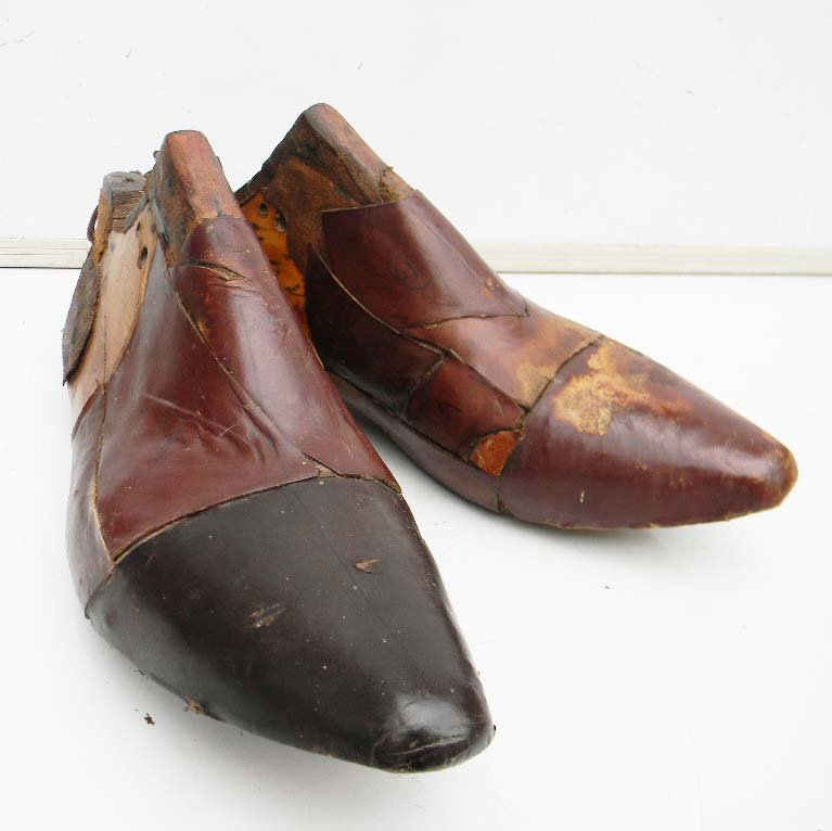Cobblers shoe making wooden shoe patterns