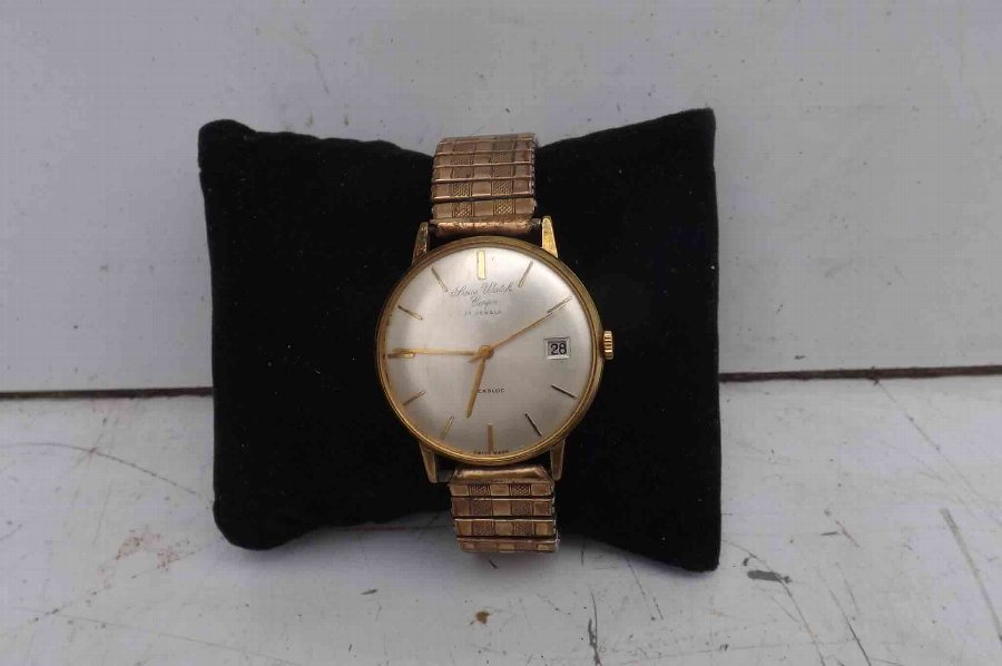 mans wristwatch mechanical Swiss Watch Company vintage quality watch.