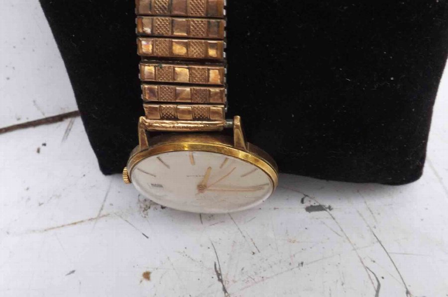 Antique mans wristwatch mechanical Swiss Watch Company vintage quality watch.