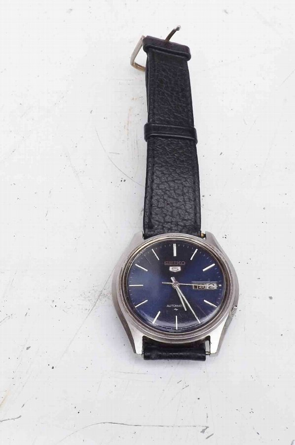 mans Seiko automatic vintage wrist watch