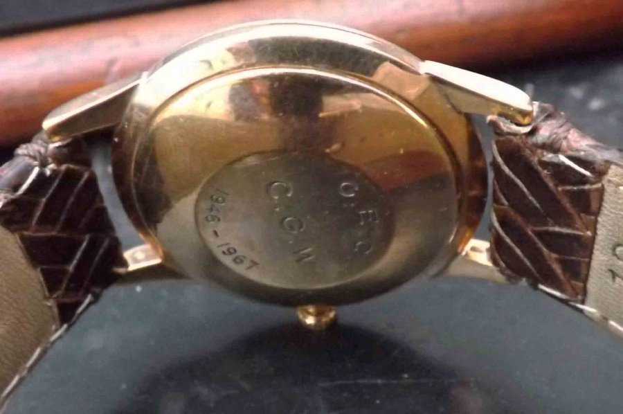 Antique garrard Mans 9ct automatic wristwatch. Free worldwide post.