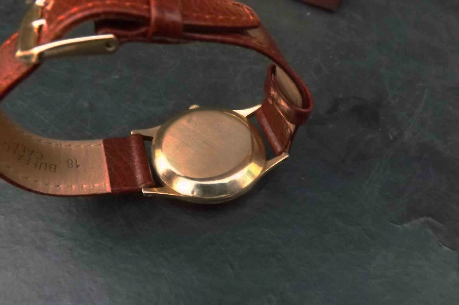 Antique 9ct Gold automatic vintage accurist mans wristwatch