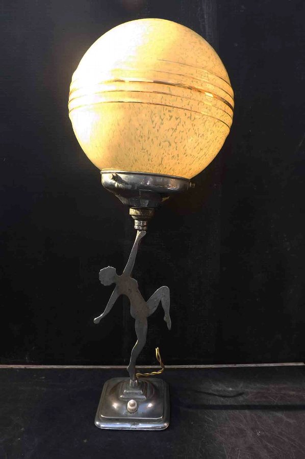Dancing Lady art deco able lamp.
