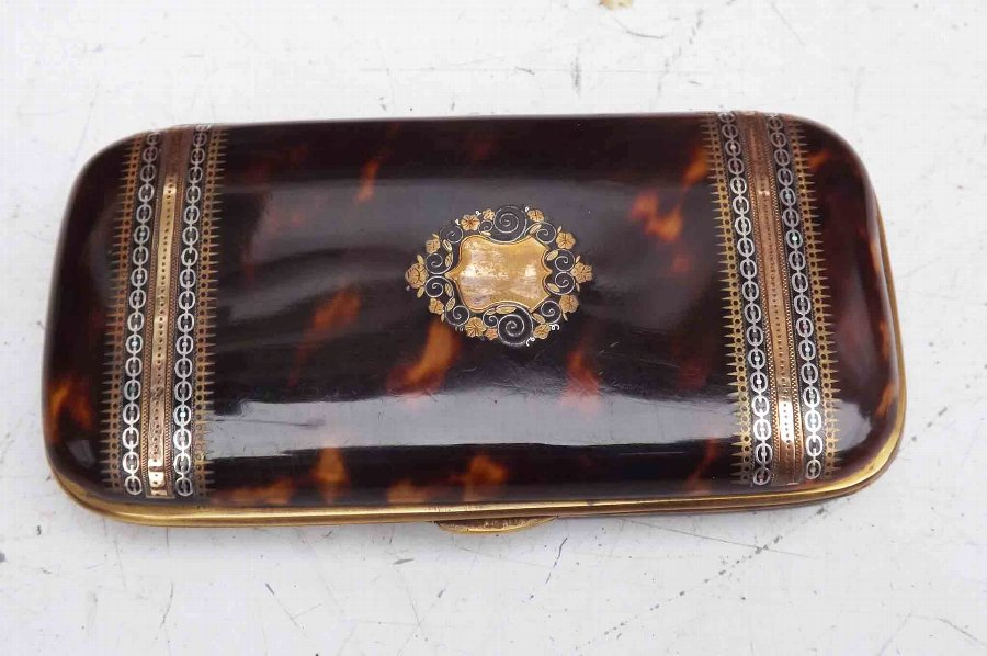 Cigar case in tortoise shell Victorian