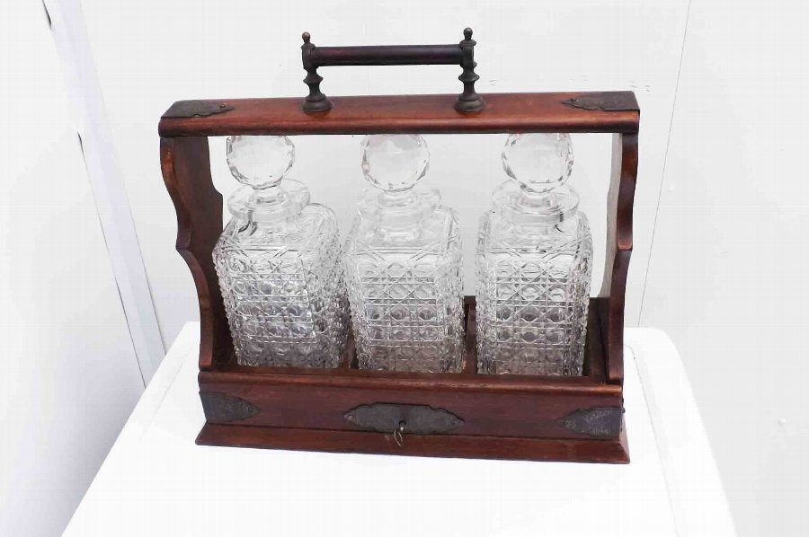 tantalus decanter mahogany cased 3 cut glass matching decanters all perfect