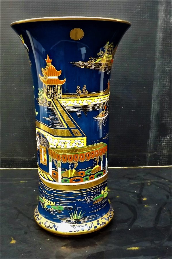 Carlton Ware Vase superb handpainted with Chinese scene's