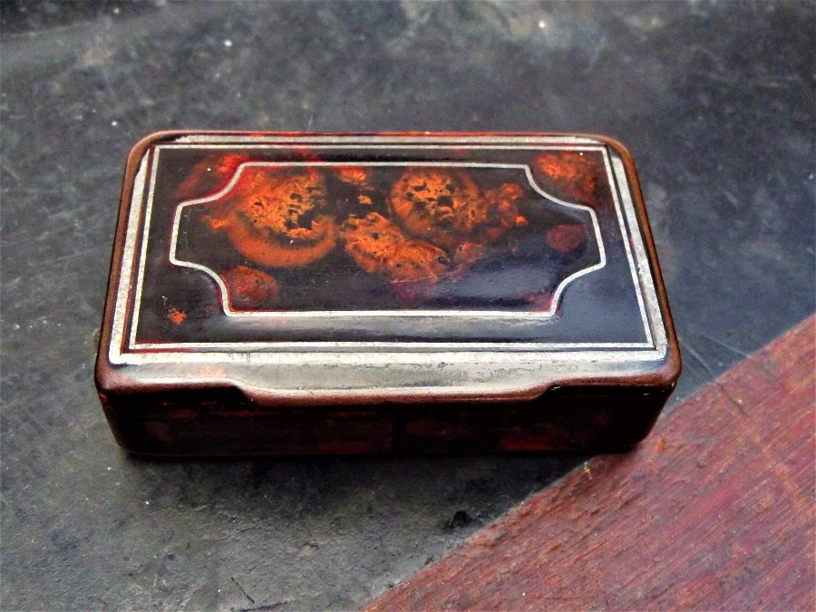 Georgian Tortoise shell with silver inlay snuff Box