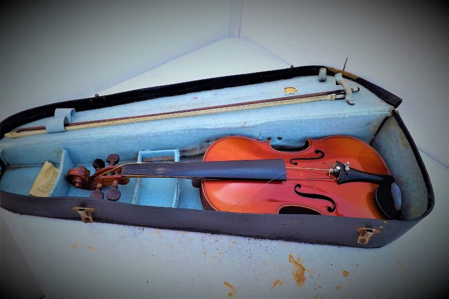 Violin Bow and case Vintage