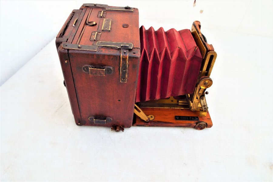 Sanderson's Antique Tropical Camera