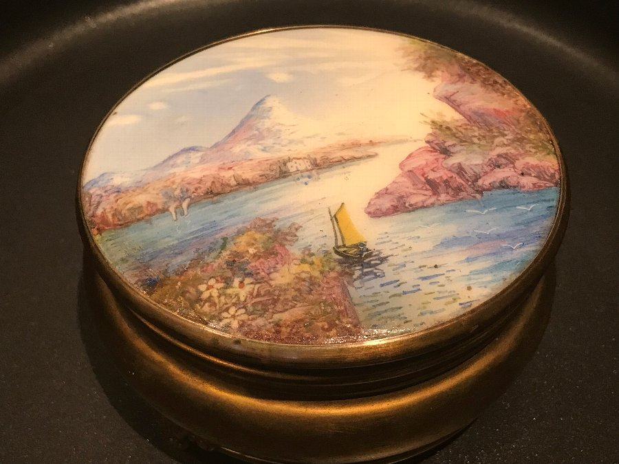 Painted lady's dressing table Trinkets dish