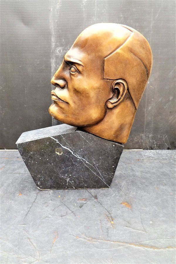 Art Deco bronze and marble of Italian Facist Leader Mussolini