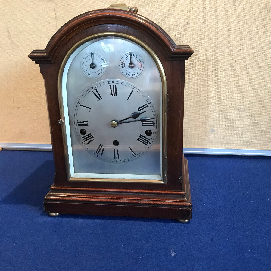 Bracket clock, Edwardian case mahogany movement German