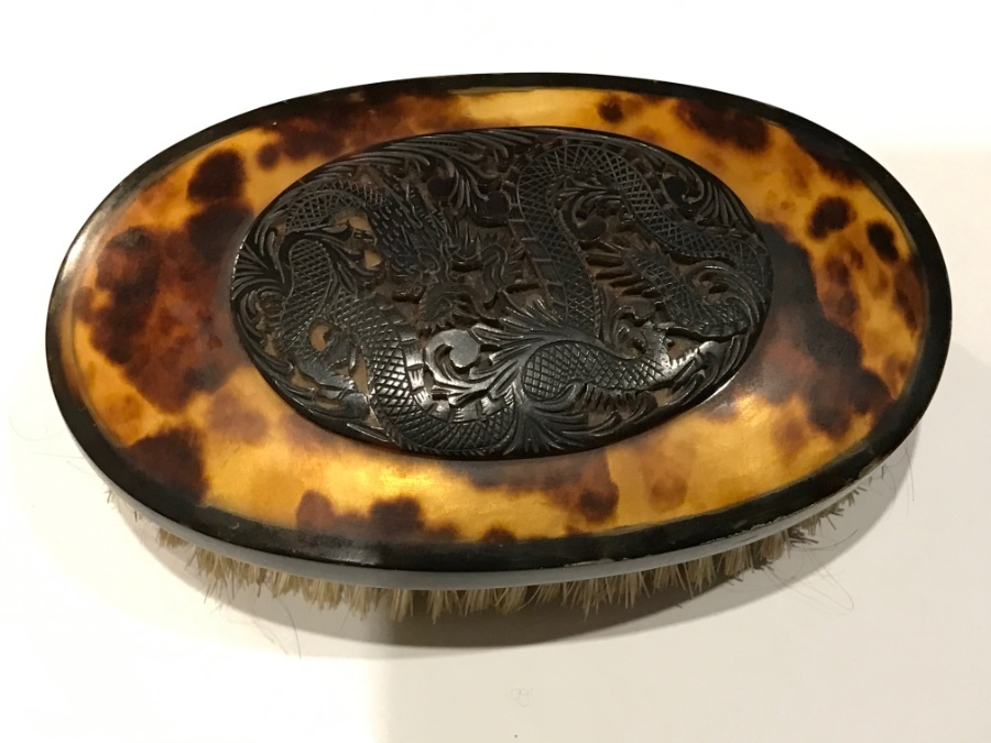 Victorian Gentleman's tortoise shell dress brush