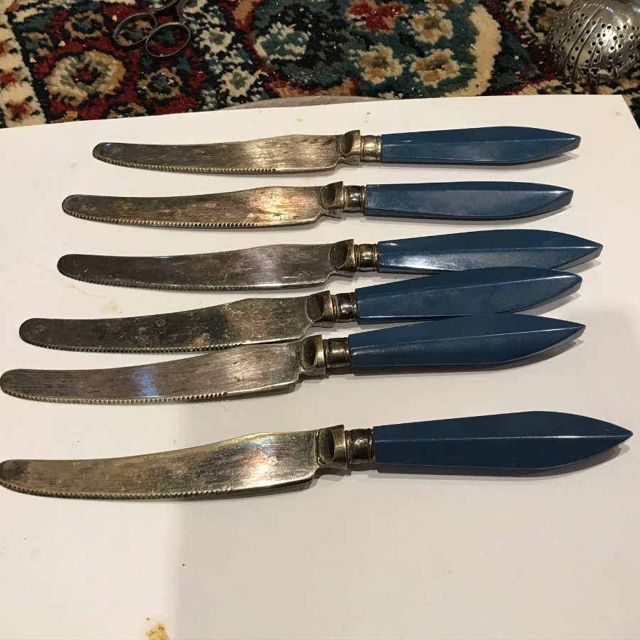 Art Deco set of six Salad or butter knives